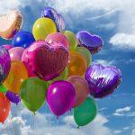 Balony foliowe: pomysł na efektowną dekorację na imprezę